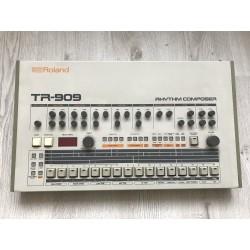 ROLAND - TR 909